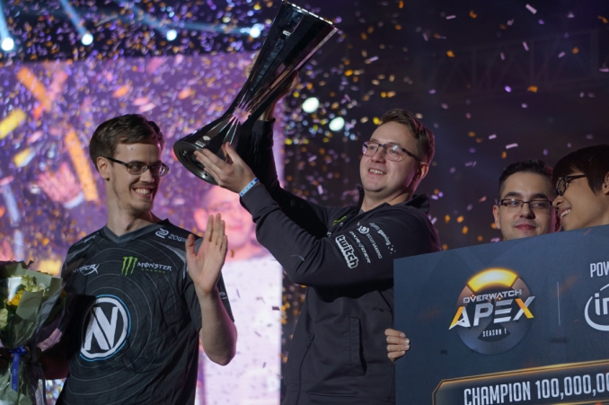 Hulk winning APEX Season 1