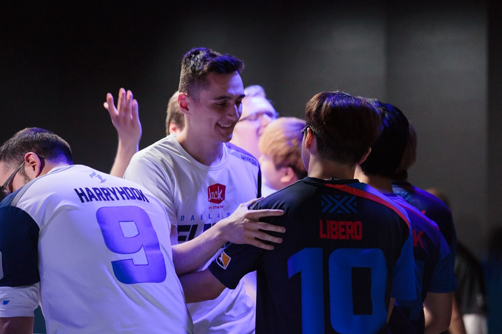 uNKOE shakes hands with Libero